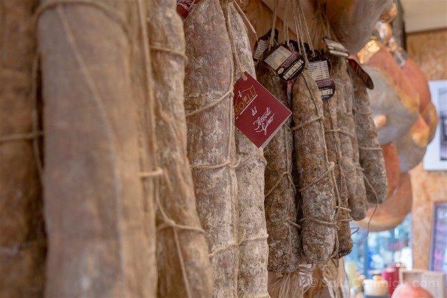 Comer en Parma Antica Salumeria Rastelli Salami
