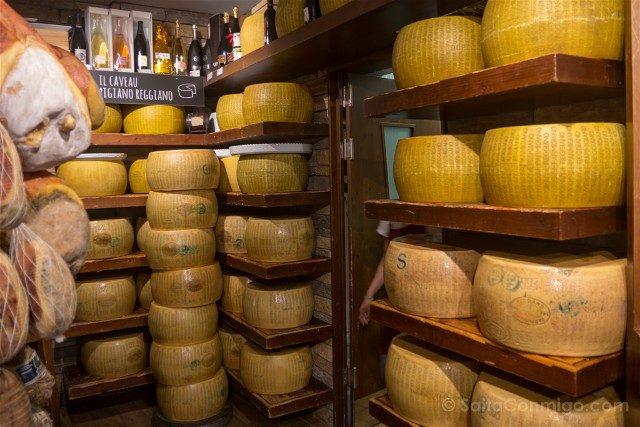 Comer en Parma Salumeria Garibaldi Parmigiano Reggiano