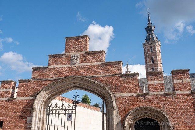 Belgica Flandes Malinas Museo Palacio van Busleyden Fachada