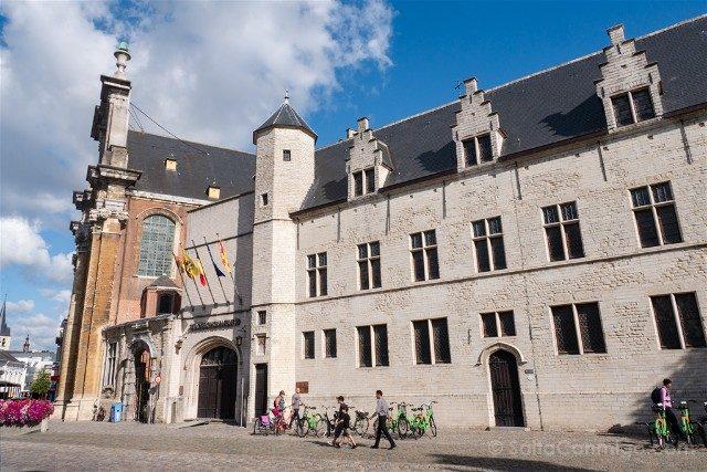 Belgica Flandes Malinas Palacio Margarita York