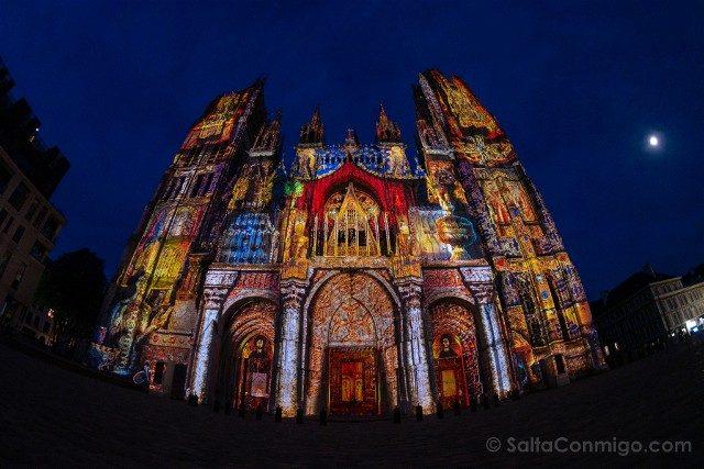 Francia Normandia Catedral Rouen Iluminacion