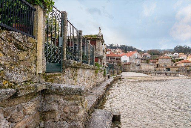 Galicia Rias Baixas Combarro Horreos Playa