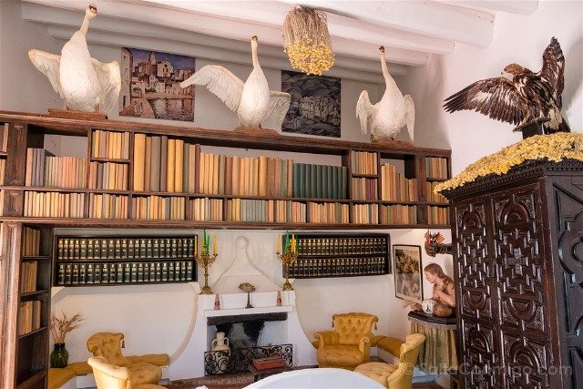 Portlligat Casa Museo Dali Cadaques Biblioteca