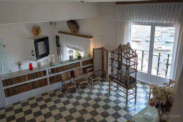 Portlligat Casa Museo Dali Cadaques Sala Pajaros Espejo