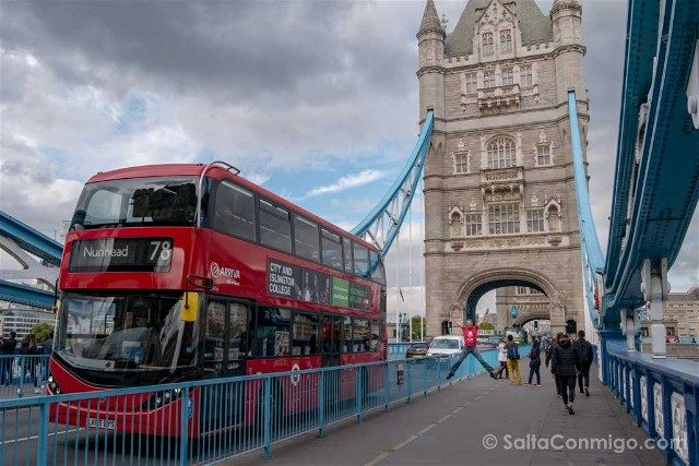 Reino Unido Londres Tower Bridge Autobus Salto