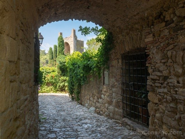 Peratallada Girona Torre Oeste