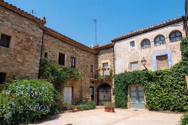 Peratallada Girona Plaza Oli