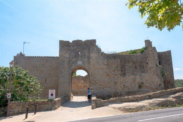 Peratallada Girona Portal Virgen
