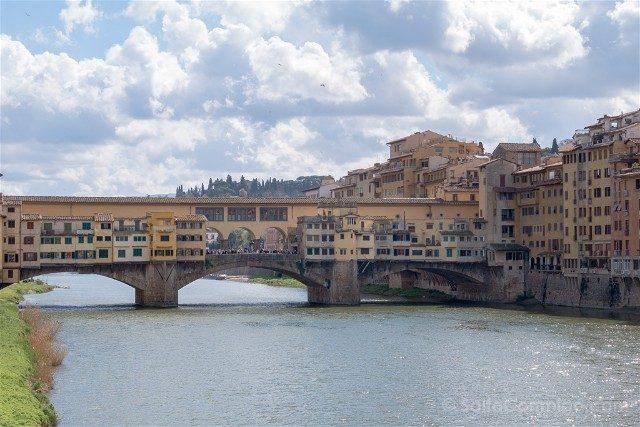 Puente Viejo Florencia Curiosidades Vista Lateral