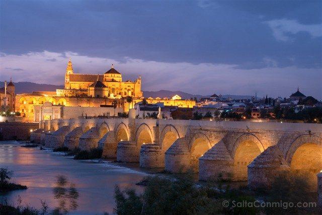 Que Ver En Cordoba Puente Romano Hora Azul