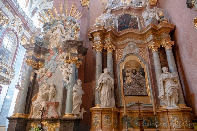 Santuario Czestochowa Jasna Gora Polonia Basilica Altares