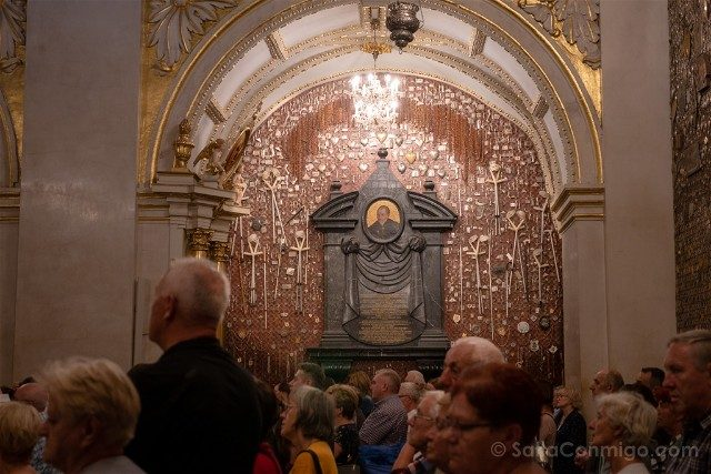 Santuario Czestochowa Jasna Gora Polonia Capilla Exvotos