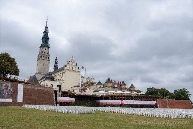 Santuario Czestochowa Jasna Gora Polonia Llegada Lateral
