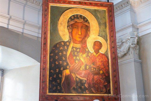 Santuario Czestochowa Jasna Gora Polonia Sala Caballeros Cuadro Milagroso Virgen