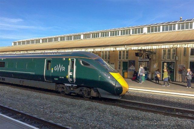 Como llegar a Bristol Tren