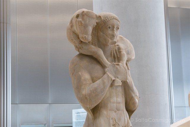 Museo de la Acropolis de Atenas Moscoforo Portador del Ternero