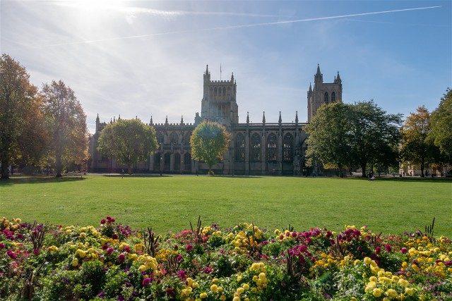 Que ver en Bristol Catedral Exterior Parque