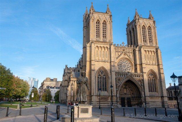 Que ver en Bristol Catedral Fachada