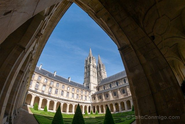 Que ver en Caen Abadia de los Hombres Claustro Ojo Pez