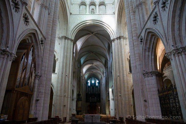 Que ver en Caen Abadia de los Hombres Iglesia