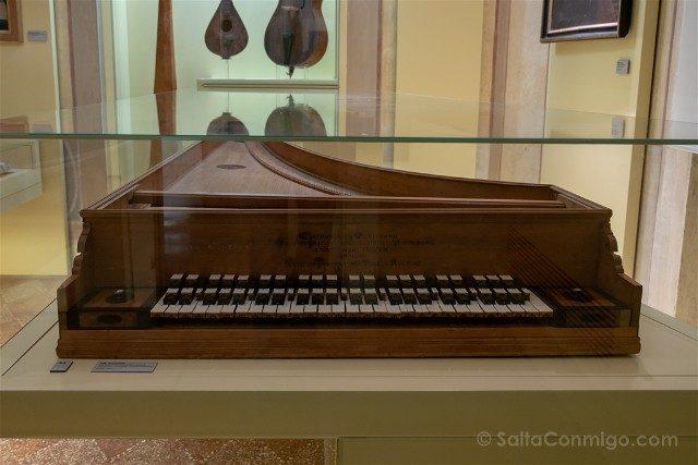 Museo Internacional Biblioteca de la Musica de Bolonia Clavemusicum Omnitonum Vito Trasuntino