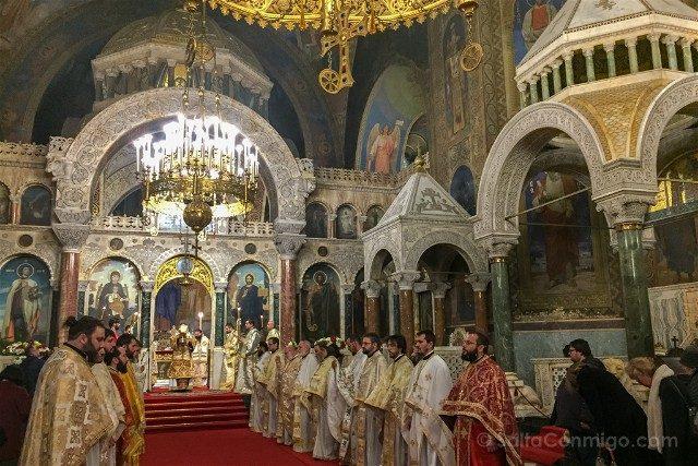 Que ver en Sofia Catedral Alexander Nevski Interior Misa