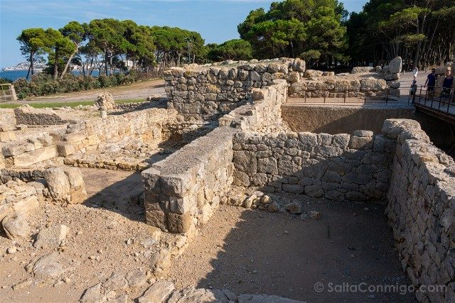 Ruinas de Empuries Ciudad Griega Templo