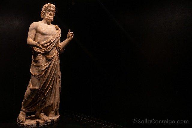 Ruinas de Empuries Museo Estatua Asclepio Completa