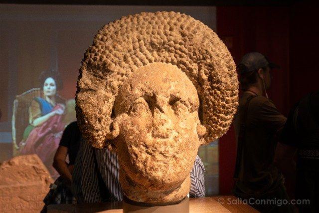Termas Romanas de Bath Busto Mujer Peinado Frontal