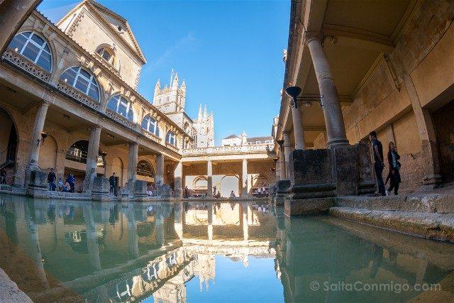 Termas Romanas de Bath Piscina Principal Ojo Pez