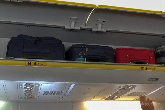 Volar Companias Low Cost Ryanair Maletero