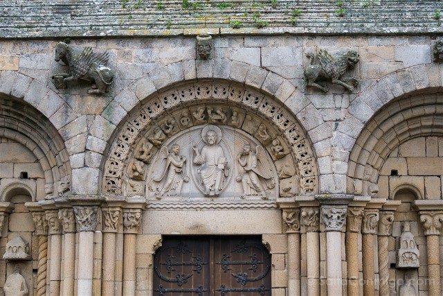 Que ver en Dinan Iglesia San Salvador Portico