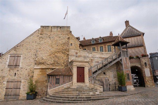 Que ver en Honfleur Lieutenance Muralla Puerta Caen