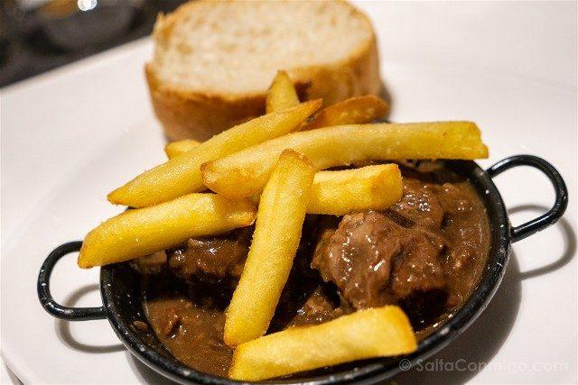 Comer en Pamplona San Nicolas Cocina Vasca Carrillera