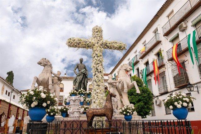 Cruces de Mayo en Cordoba Hermandad Resucitado