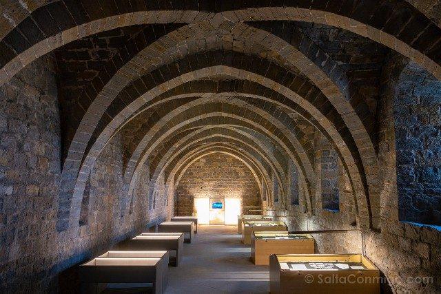 Que ver en Pamplona Palacio Reyes Navarra Cripta