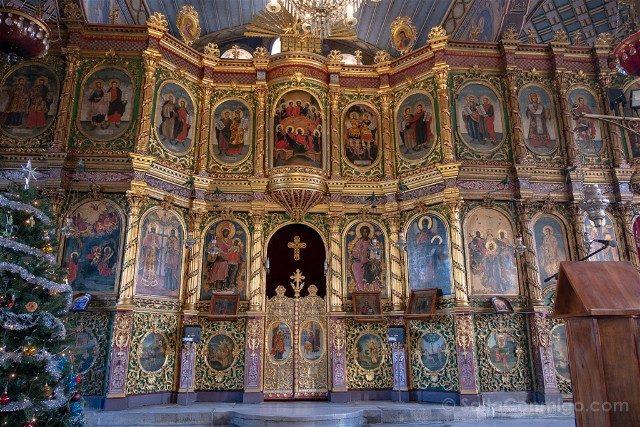 Que ver en Plovdiv Iglesia Santos Constantino Elena Iconostasio