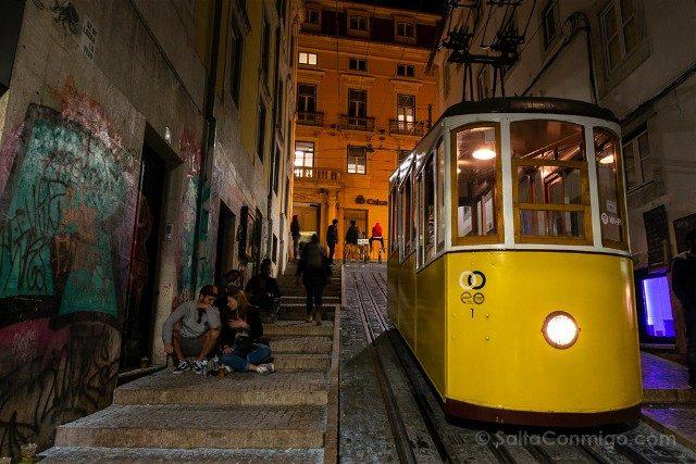 Que ver en Lisboa Funicular Noche