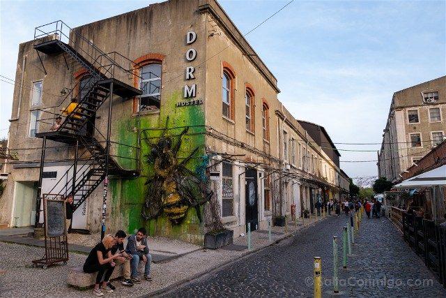 Que ver en Lisboa LXFactory Bordalo II Abeja