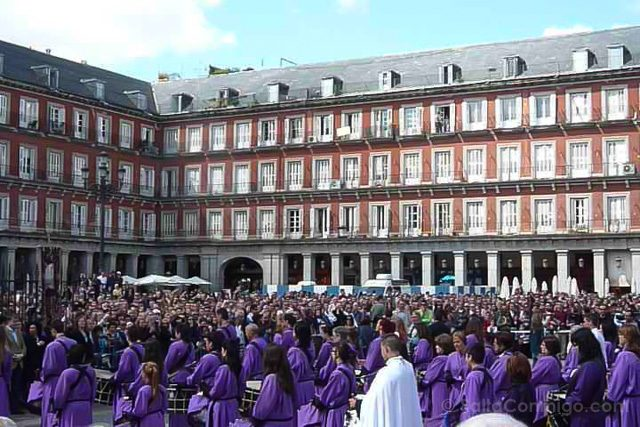 Semana Santa Madrid Tamborrada Plaza Mayor