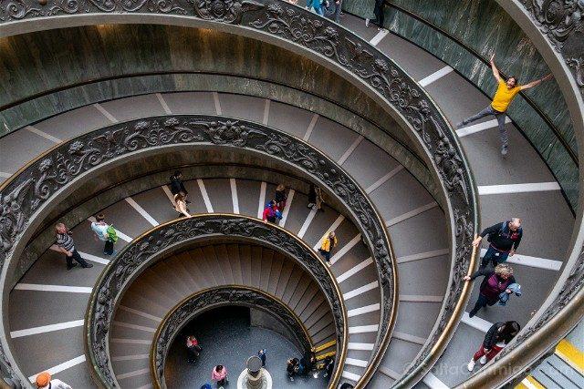 Museos Vaticanos Escalera Helicoidal Salto