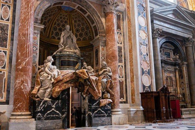 Roma-Tour Vaticano Civitatis San Pedro Tumba Alejandro VII Bernini