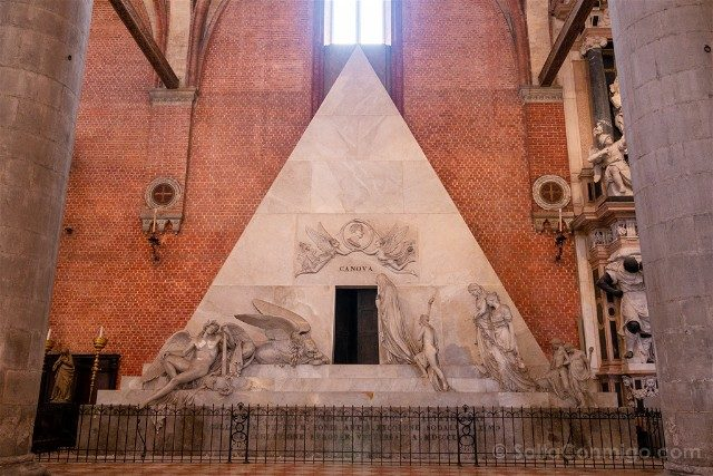 Iglesias de Venecia Basilica Santa Maria Gloriosa Frari Tumba Canova