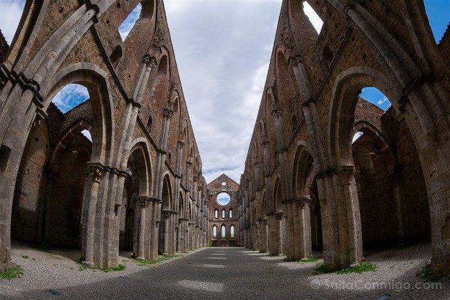 Ruta por la Toscana Abadia San Galgano Interior