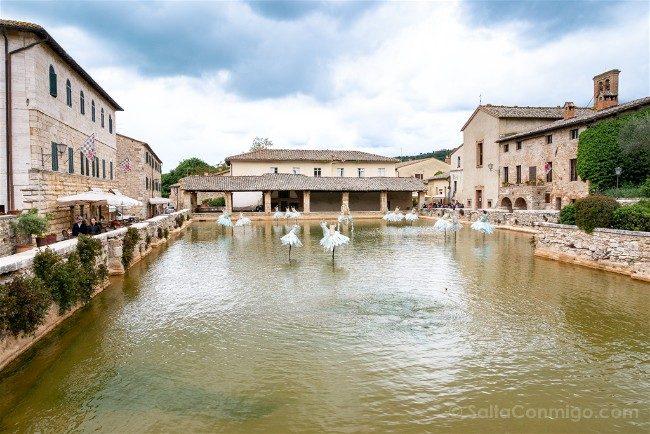 Ruta por la Toscana Bagno Vingnoni Plaza