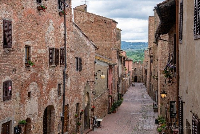 Ruta por la Toscana Certaldo Camino Casas