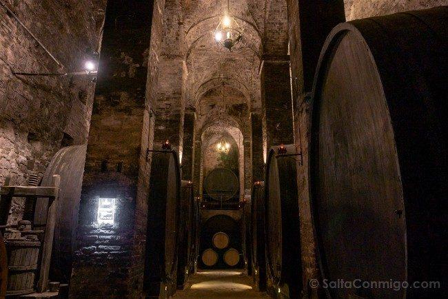 Ruta por la Toscana Montepulciano Bodega Historica