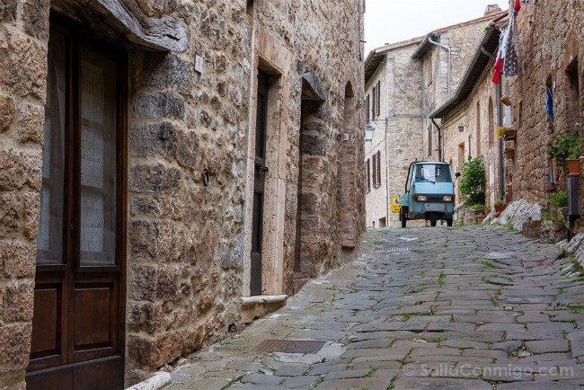 Ruta por la Toscana Rocca d'Orcia Calle