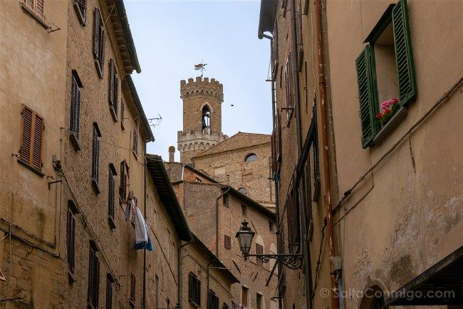 Ruta por la Toscana Volterra Calle