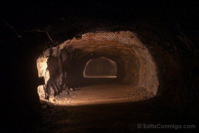 Tuneles Nazi Polonia Complejo Osowka Tunel Luz